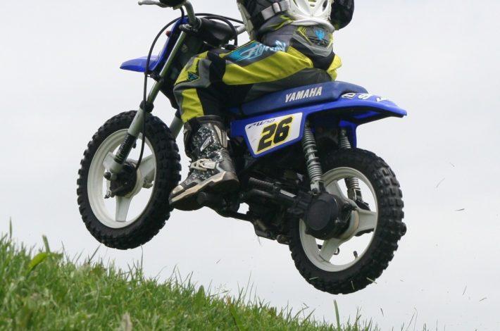 Kask motocyklowy dziecięcy – na co zwrócić uwagę?