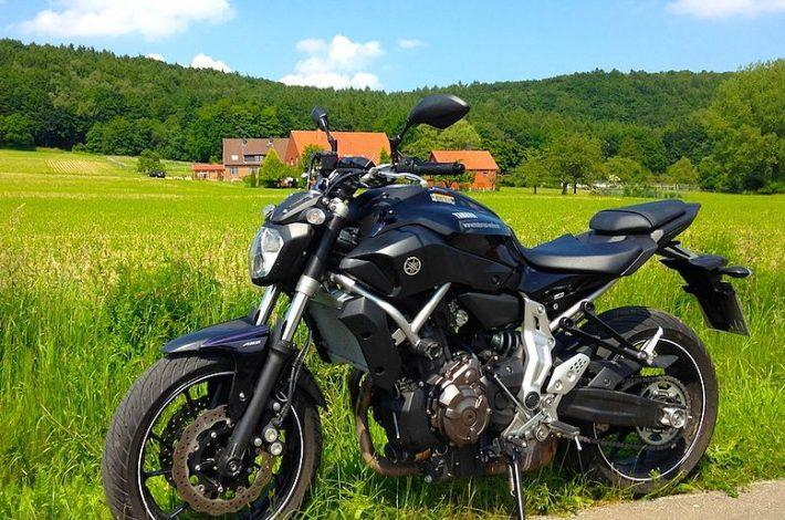 Yamaha mt 07 – komu warto polecić ten motocykl?